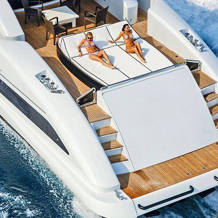 Immagine per la categoria Luxury M/Yacht