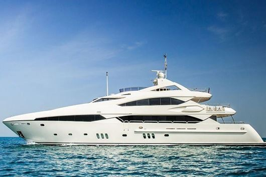 Immagine di Serendipity | Luxury motor yacht | crociera in yacht | Mar arabico
