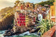 Immagine di Cinque Terre Liguria | Catamarano cabin charter | Vacanza a vela in catamarano