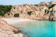 Crociera in barca ad agosto con Mondovela in Sardegna