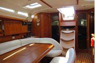 Immagine di MondoX - Sun Odyssey 45 | Luxury sailing yacht | Vacanza a vela charter | Toscana